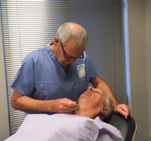 Tom Barnard Facelift Dr. Bashioum pre-surg marking