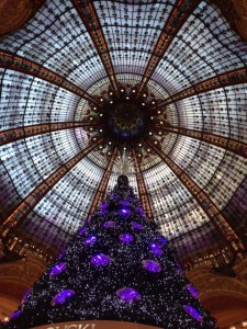 Haute Holiday decor in Paris department store